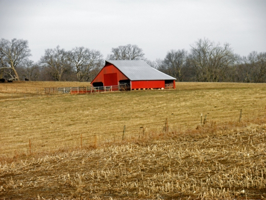 Red Barn on 36 Highway
